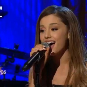 Ariana Grande śpiewa Whitney Houston