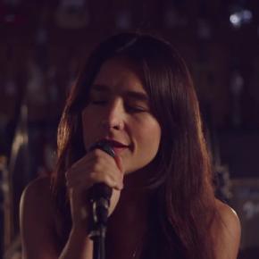 """Jessie Ware zaśpiewała """"Kind of… Sometimes… Maybe"""""""