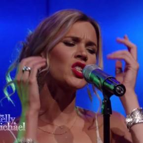 Joss Stone na żywo w programie Live! Kelly & Michael